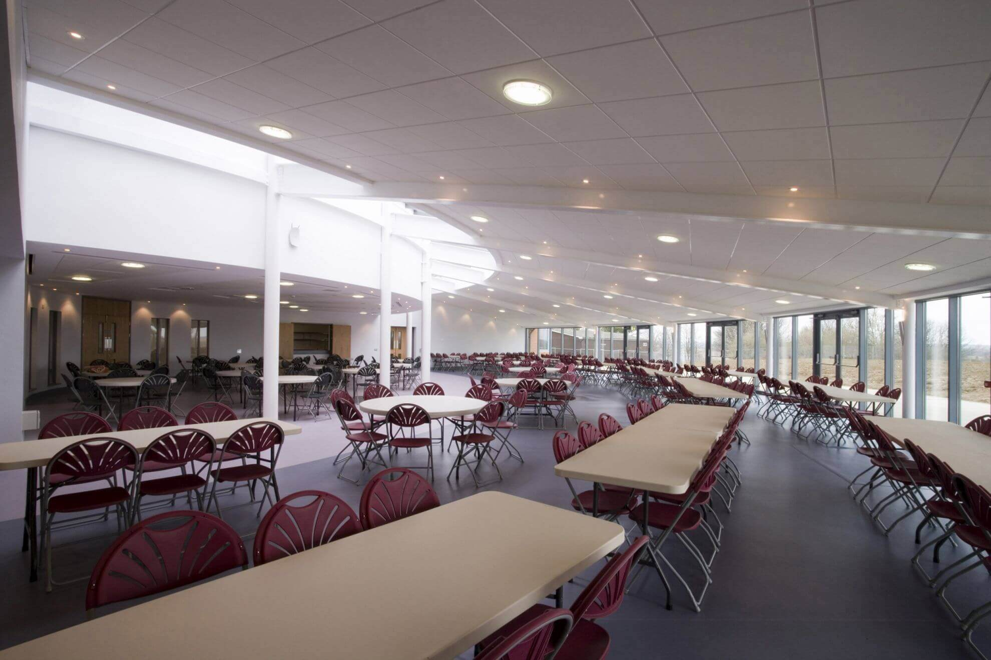 A_Bedford Modern School_Hall interior 1